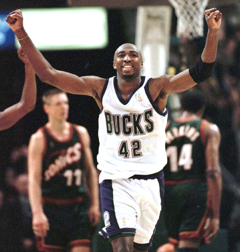 Former NBA All-Star Vin Baker Now Working at StarBucks -and That's Great!